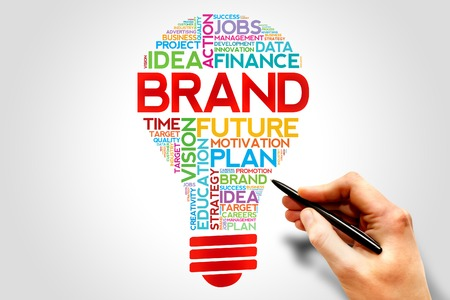 ブランドの電球の単語の雲、ビジネス コンセプト