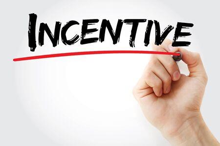 Escritura de la mano con marcador de Incentivos, concepto de negocio