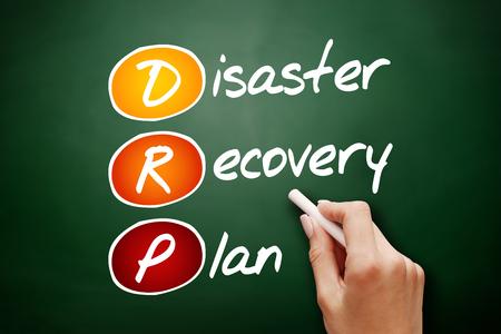 손으로 그린 DRP- 재해 복구 계획, 약어 비즈니스 개념을 칠판에 스톡 콘텐츠