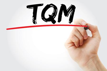 손 작성 TQM - 마커, 개념 배경으로 전체 품질 관리