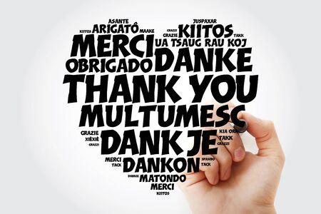 Merci Love Heart Word Cloud dans différentes langues avec marqueur, arrière-plan concept Banque d'images