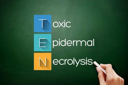 TEN - Toxic Epidermal Necrolysis acronym, medical concept background on blackboard 스톡 콘텐츠