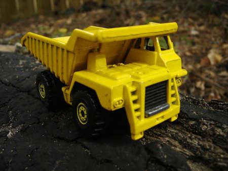 dump truck: Dump Truck