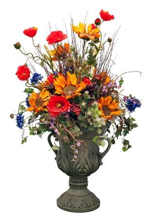 flores secas: Flores en jarr�n aislados en blanco Foto de archivo