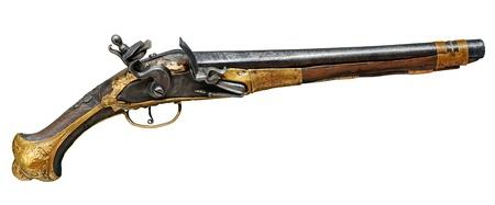 flint gun: Pistola real XVII th aislado en blanco.
