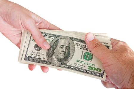 letra de cambio: Hombre y mujer sosteniendo un fajo de billetes de un cien d�lar Foto de archivo
