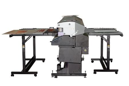 inkjet: Impresora de inyecci�n de gran formato industrial UV para la impresi�n en grandes hojas de pl�stico aislado en blanco Foto de archivo
