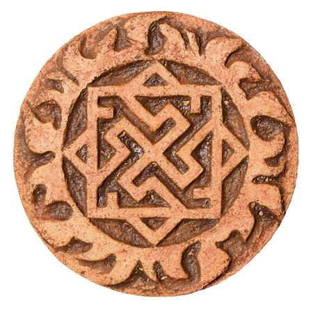 runes: Ancien symbole sur terre cuite amulette Banque d'images