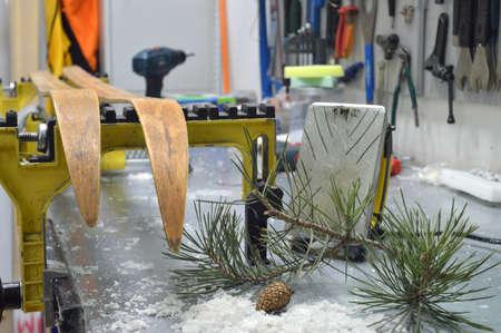mounting: repair of skis in the workshop winter