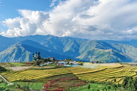 ブータン東部ブータン近郊のブータン東部山脈の農場
