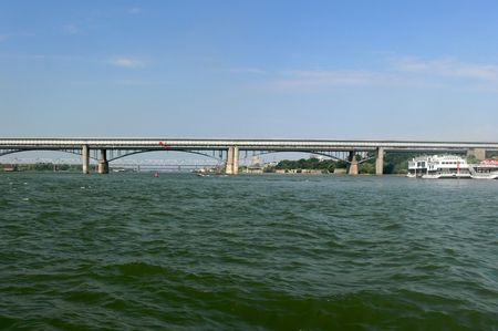 horizont: The bridge through the river Ob.
