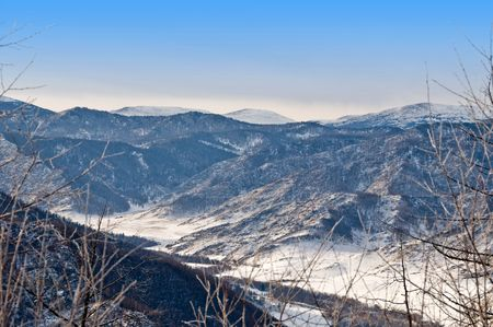 Chiki-Tamansky mountain pass and clear blue sky photo