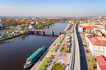 Aerial drone view on Gorzow Wielkopolski and Warta river. Gorzow Wielkopolski is a city in western Poland, on the Warta river. It is the second largest city in the Lubusz Voivodeship 免版税图像