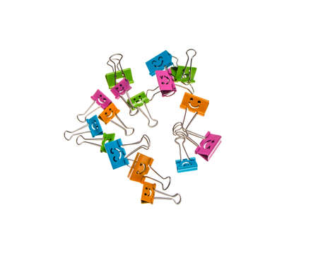 letras cromadas: a lot of colorful binder clips on a isolate white background