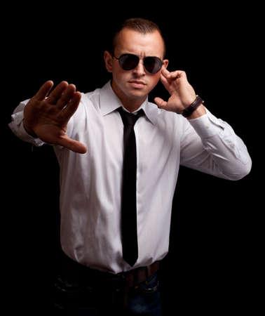 agent de s�curit�: Portrait d'agent secret debout Banque d'images