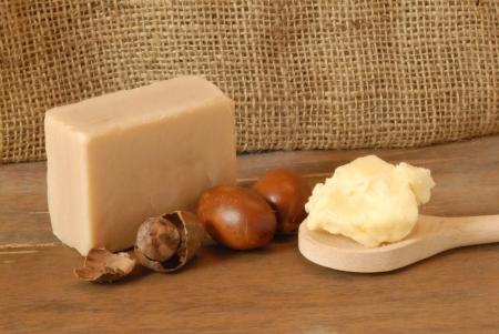 Jabón de Shea con fruta y crema Foto de archivo - 8132872
