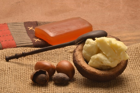 shea butter: shea butter with the seeds