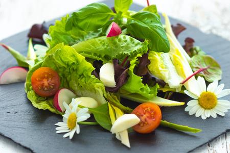 frans: Summer leaf salad