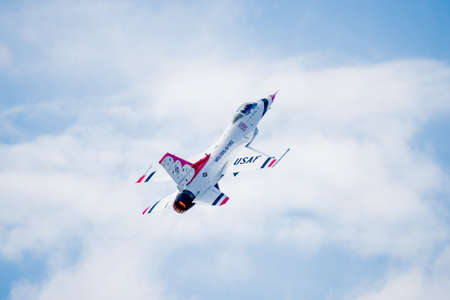 united states air force: San Antonio, Texas - October, 31: United States Air Force F-16 Thunderbirds taking off Editorial