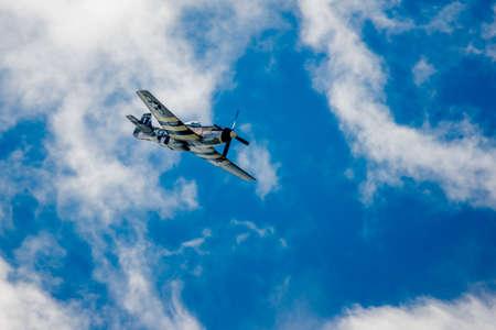 ww2: SAN ANTONIO, USA - October 31, 2015: WW2 Plane P-51 Mustang Diving