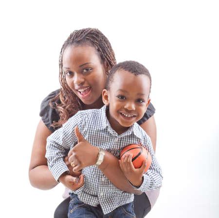 ni�os africanos: Mam� y su hijo Foto de archivo