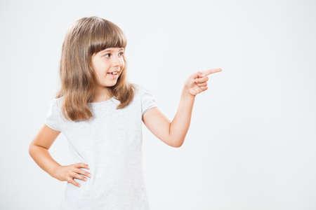 Happy little girl Zeige Standard-Bild - 39266791