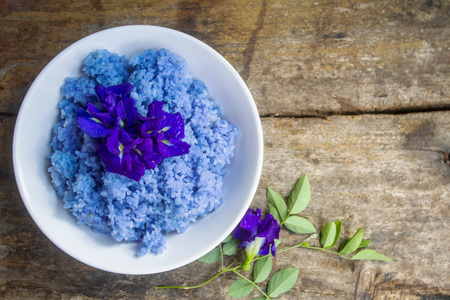 Clitoria ternatea herbal rice is popular in the modern society that turned the whole body health care, fitness, and eating.