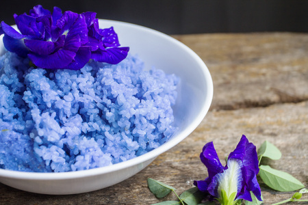 Clitoria ternatea herb rice is Popular in modern society turned to health care. Both exercise and eat.