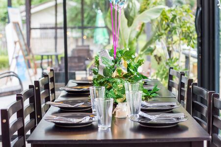 Setting a table to prepare for breakfast, lunch, and dinner, including a party Zdjęcie Seryjne
