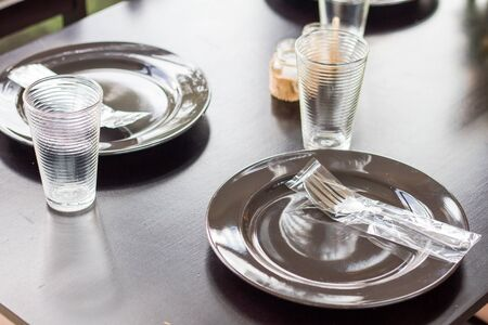 Arranging the table in advance For leading restaurants and class
