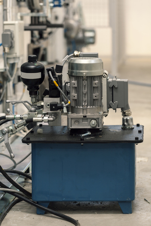 Industriehydraulikpumpe in Arbeit