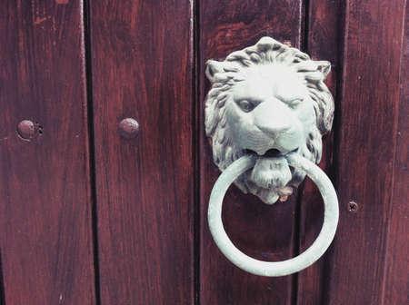 ornated: Porta ornated