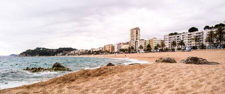 better: Better sand beach