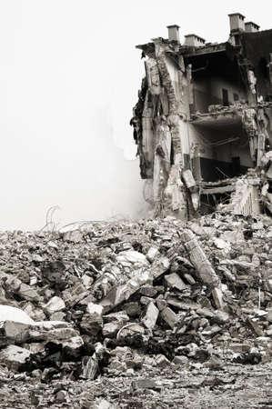 destroyed: Zerst�rt, Geb�ude, k�nnen als Abbruch, Erdbeben, Bombe, Terroranschlag oder Naturkatastrophe Konzept verwendet werden. St�rung hinzugef�gt
