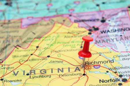 map pin: Richmond pinned on a map of USA