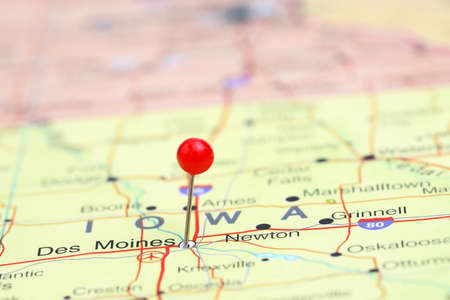 map pin: Des Moines pinned on a map of USA