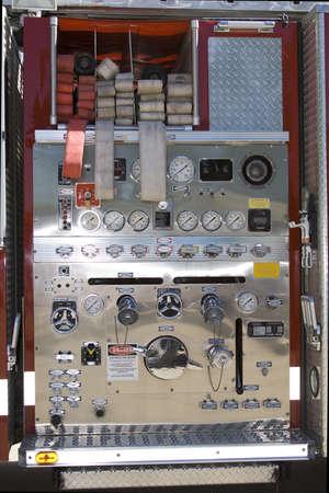 消防車 - ゲージとダイヤルのコントロール パネル