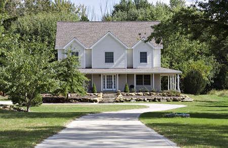 mediaan: Een mooi huis in het land - Ohio Stockfoto