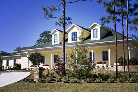 house gables: Lomo al estilo de un foto de una casa del sur de Am�rica.