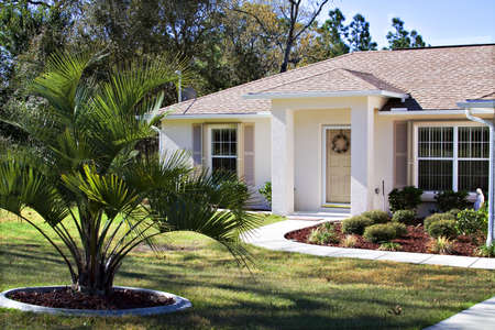 warm house: A small neat Florida home - owned by a happy former Ohioan.