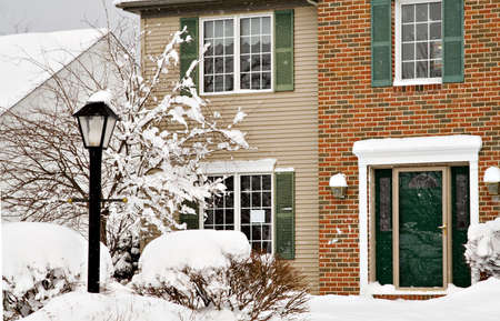 A suburban home after a winter snow storm Stock Photo - 2614528