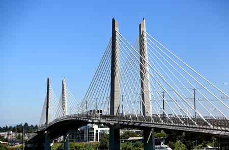 Tilikum 브릿지, 포틀랜드 (오레곤)