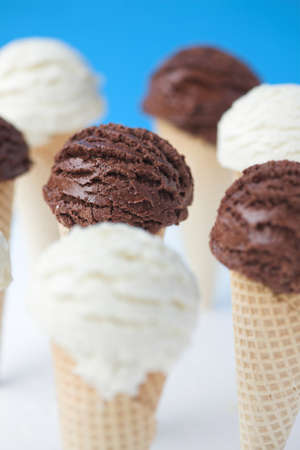 Ice cream cones - organic vanilla & chocolate. Shallow dof Standard-Bild