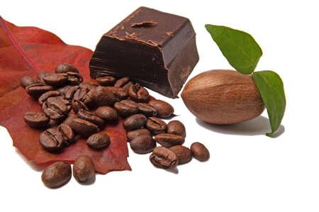 pekan: Dark chokolade and coffe bean.