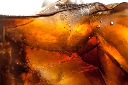 water glass: Un freddo ghiaccio bicchiere di soda bello. Archivio Fotografico