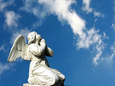 angel headstone: grave stone