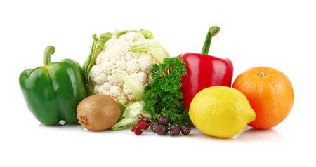 nutrients: Grupo de los nutrientes llenas de vitamina C en el fondo blanco