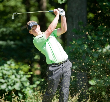 BETHESDA, MD - JUNE 15: Luke Donald hits a shot at Congressional during the 2011 US Open on June 15, 2011 in Bethesda, MD.