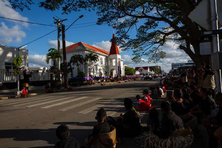 NukuAlofa, Tongatapu, Kingdom of Tonga - 17SEP2019 -  People of Tonga gathering for Tongas death Prime Minister Akilisi Pohiva ceremony along the Vuna Road, Nukualofa, Tonga. Redactioneel