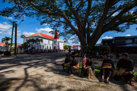 Nuku'Alofa, Tongatapu, Kingdom of Tonga - 17SEP2019 -  People of Tonga gathering for Tonga's death Prime Minister Akilisi Pohiva ceremony along the Vuna Road, Nuku'alofa, Tonga. Stockfoto - 130525148